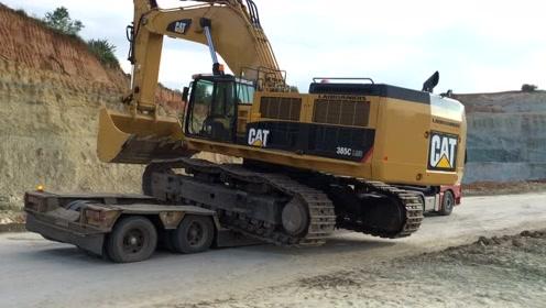 利勃海尔984-974和沃尔沃挖掘机