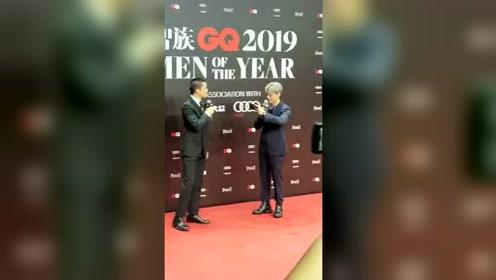 智族GQ人物盛典:屈楚萧来了