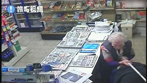 82岁奶奶击退持刀抢劫犯!怎么做到的?拐杖立神功,获赞无数