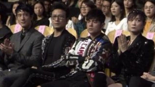 蔡徐坤一首英文歌,拿下华语金曲奖,周杰伦、林俊杰都笑的尴尬!