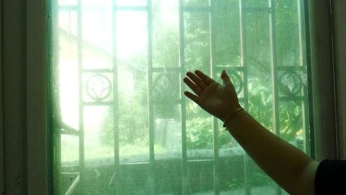 纱窗脏了如何清洗?教你不拆不用洗,轻轻擦一擦就能够干净如新