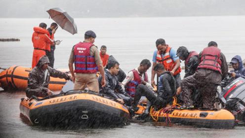 印度游船倾覆致多人溺亡 当时正在举行象头神节浸洗仪式