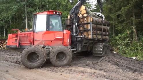 十分不解,这种拖挂车是几轮驱动?走泥巴路,居然不怕陷车