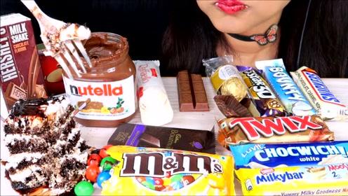 国外美女狂吃蛋糕,饼干,冰淇淋,各种各样网友看了直呼:想吃