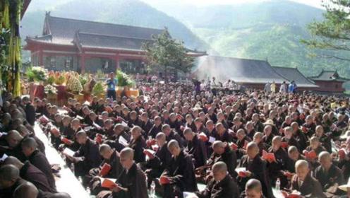 中国最大的尼姑庵,有2万名妙龄尼姑,天黑后这一规定让人受不了