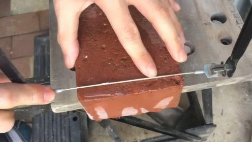 牛人在工地捡了块砖头,居然给打磨成砖戒求婚,成品让人惊艳到哭