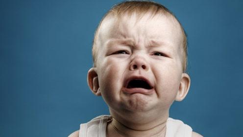 有时宝宝哭闹不安很不舒服的样子 这是因为孩子生病了