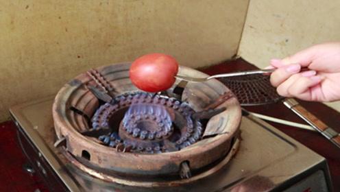 西红柿放在火上烤一烤,作用真是厉害了,后悔吃了20年才知道
