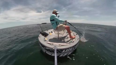 """男子参加海钓,顶级鱼竿直接报废,拉上一条""""庞然大物"""""""