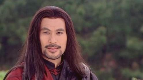 徐锦江吃西瓜喷梁家辉一脸,惹梁家辉吐槽:我怎么有这样的弟弟