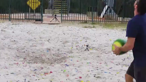 将50斤的石球从高空丢下会怎样?高空坠物属实危险,网友:顶