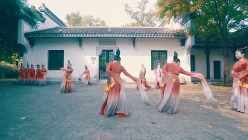 肥而不腻、美而不宣,舞如此,舞者亦如此!