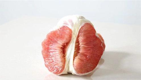 柚子好吃,皮难剥?教你只需切3刀,果皮和果肉轻松分离,太棒了