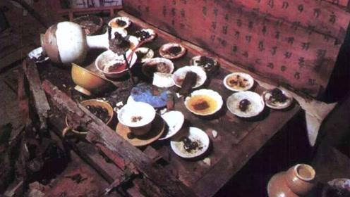 村民干农活时意外发现千年古墓,墓内一桌酒菜,至今保存完好