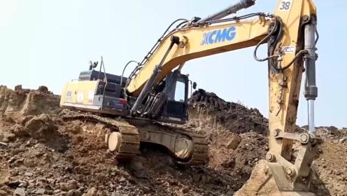 国之骄傲,徐工490挖掘机,油泵设计合理,质量看上很不错
