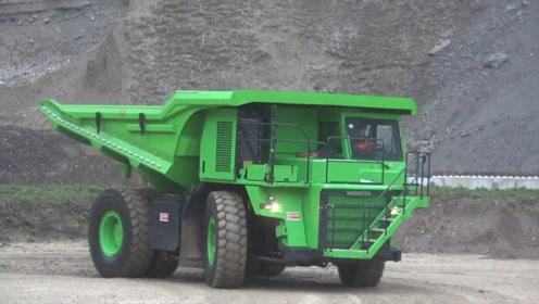 老外打造世界最大的电动卡车,从来不需要充电,是如何实现的?