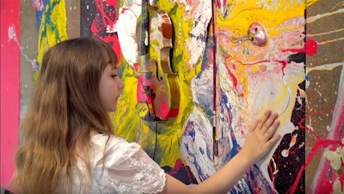 她12岁就成知名画家,直接泼颜料也能举办画展,居然这么神奇?
