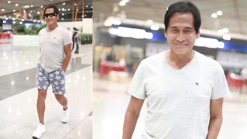 59岁齐秦花短裤配白T显年轻 但身材发福皱纹密