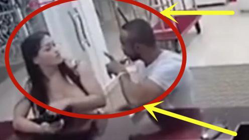 男子以强欺弱,没想到女子一脚将其踢到在地,监控拍下全过程!