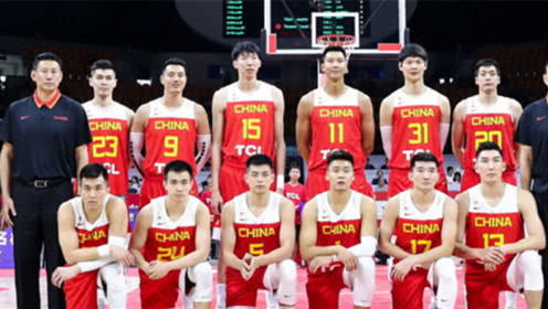 """中国男篮12人年薪多少?""""两巨头""""超千万,最少的他才120万"""