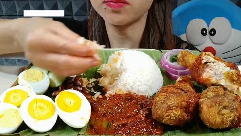 动手吃美食:吃美味大鸡腿 鸭蛋 手抓饭