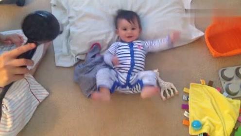 爸爸在家带娃,喜欢用手弄宝宝下巴