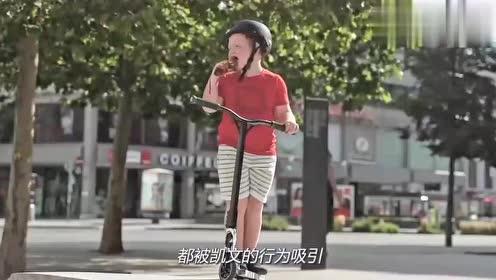 """国外小伙自行车花式表演,本以为是青铜,结果秒变""""王者""""!"""