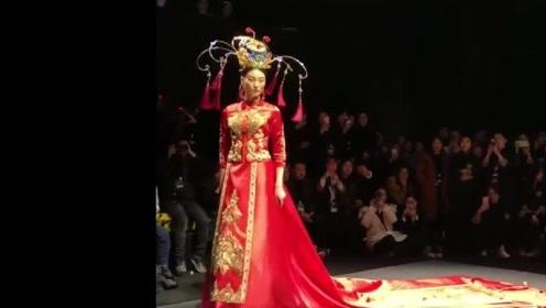 十里红妆女儿梦,看了那么多的婚纱,还是觉得这一身最漂亮!