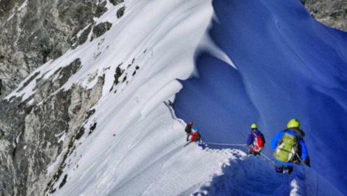 登珠穆朗玛峰时,为什么遇见有人摔倒了不能扶?看完涨知识了