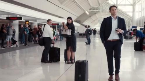 国外发明智能行李箱,既能当坐椅,而且无需手扶自己就能跟着走