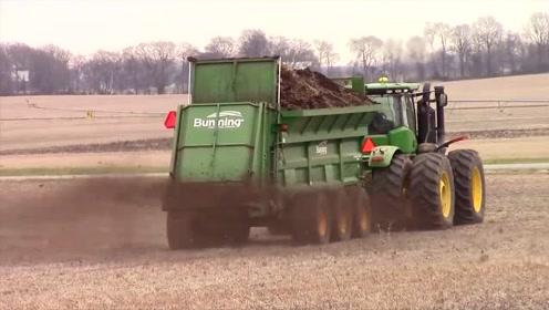 最新农业机械,自动施肥机,一天上千亩,难怪效率那么高