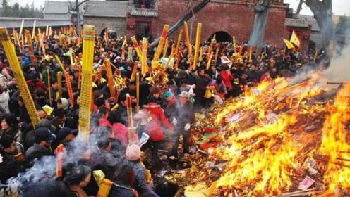 中国最大的庙会,每天涌进80多万人,香灰需要十几辆大卡车!