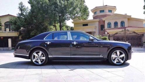 宾利慕尚加长版配6.8T+V8,配置豪华,售495万起,值不值得购买?