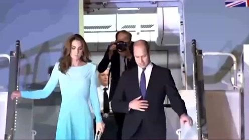 威廉王子携凯特王妃访问巴基斯坦 现场穿戴当地传统配饰