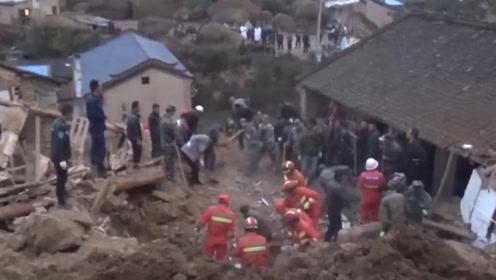 甘肃一村庄突发山体滑坡3间民房瞬间倒塌 4人被埋不幸身亡