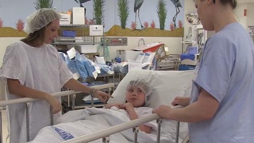 为何做手术时,医生一定要患者脱衣服?其实这很有必要