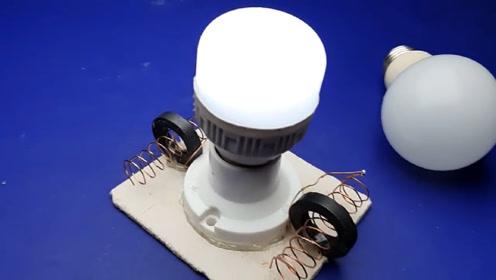 小伙在家制作发电小机器,一天能发2度电,再也不用交电费了