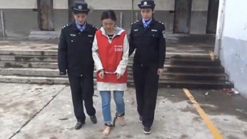 监狱里戴着脚镣的犯人,在日常中是如何换裤子的?答案可能超出你的想象!