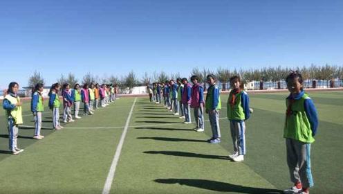 高原上的小学女子足球队:拿废纸练球,想见梅西内马尔