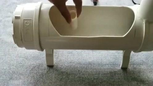 男子制作的桌面创意鱼缸,一段管道就可DIY!