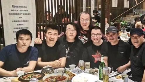 尹相杰景岗山谢东聚餐 三位歌手同框集体发福