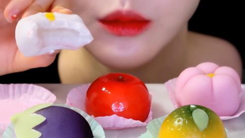 漂亮的蔬菜水果小点心,小姐姐挨个试吃,还是夹心的日本和果子呢