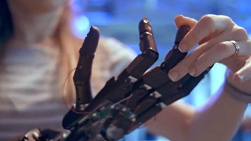 机器人也会玩魔方了,还是单手操作,普通人双手都难