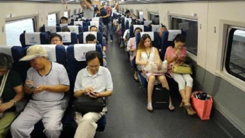 高铁行驶速度超快,为什么不让乘客系安全带?看完大开眼界!