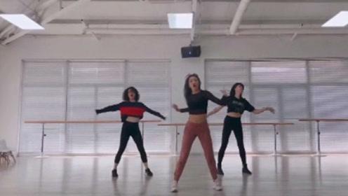 孙莉晒舞蹈视频 秀好身段舞技很美