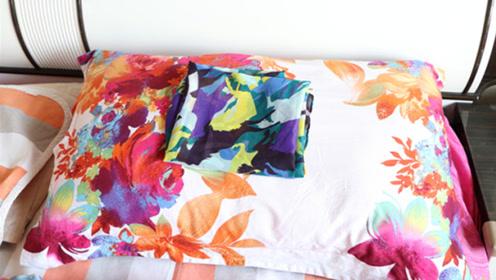 枕头上放一条丝巾,神奇用途真厉害,能解决很多麻烦事