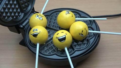 电饼铛来加热棒棒糖是什么样子,看过之后我再也不想吃棒棒糖了!