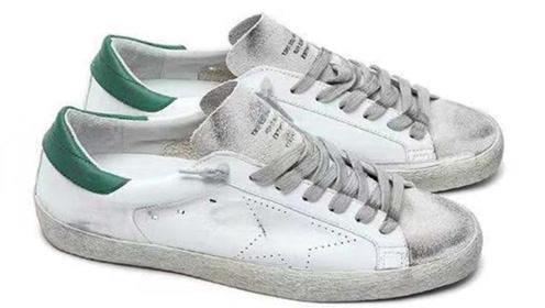 清理鞋子白边,只需一杯神秘液体就能搞定,真有这么厉害?快看看