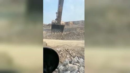 装土,石头里边土太多了