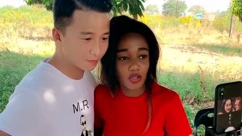 小伙每次直播都要带着这个美女,缅甸的美女以为这个男人对你好,开玩笑!